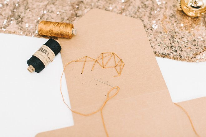 DIY Fotobox mit gesticktem Herz aus Kupfergarn4