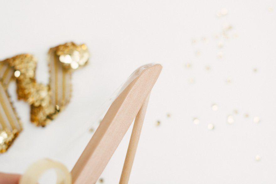 DIY Kleiderbügel für das Brautkleid 2