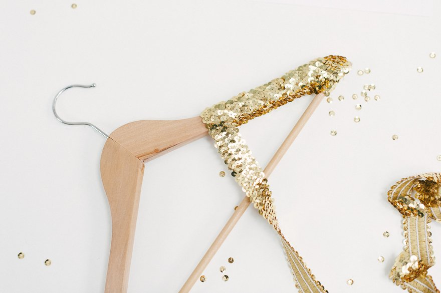 DIY Kleiderbügel für das Brautkleid 3