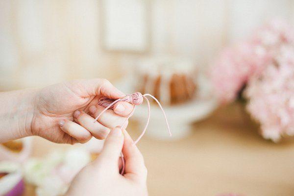 DIY Wolle Quasten Girlande 4