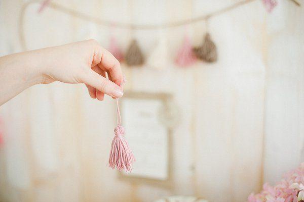 DIY Wolle Quasten Girlande 5