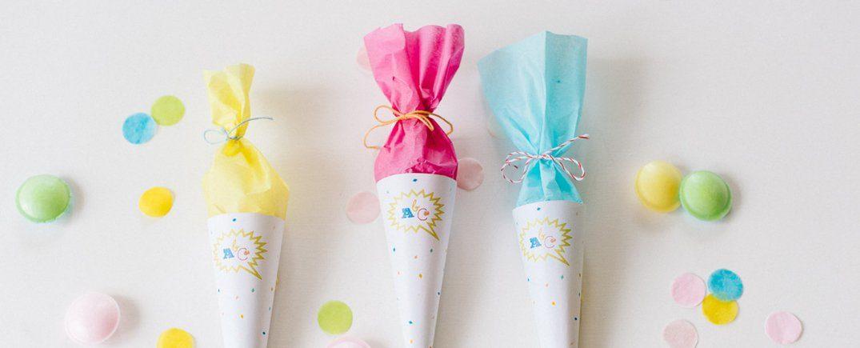 Kostenlose Freebies & Deko-Ideen für euer Einschulungsfest. Diese 7 Ideen für eure Einschulung sind perfekt für den ersten Schultag und die Feier danach.