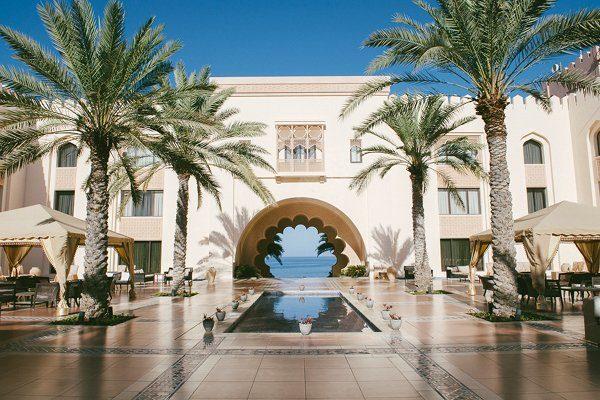 Flitterwochen Honeymoon Oman Shangri La's Abrr al Jissah