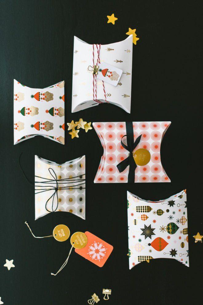 Weihnachtsgeschenke hübsch verpacken in rot, gold und schwarz