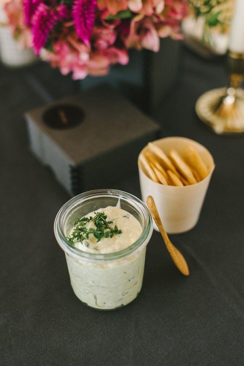Rezept für einen leckeren Dip zu Gemüse und Cracker