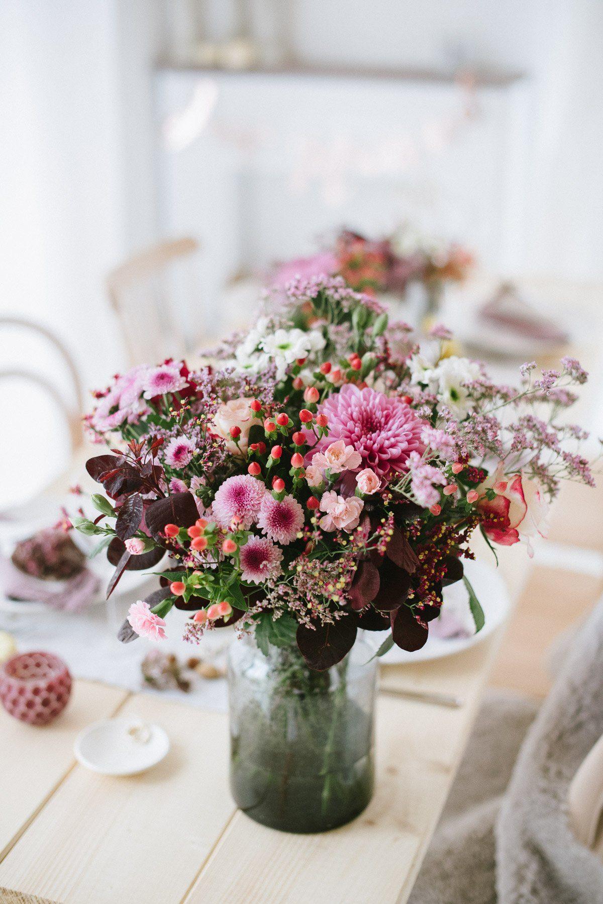 Chrysanthemen Beeren Nusse Leinen Dekoration Einer