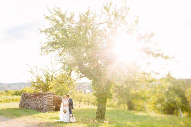 Hochzeit auf dem Bauernhof - Natürliche Hochzeit fotografiert von Aline Lange
