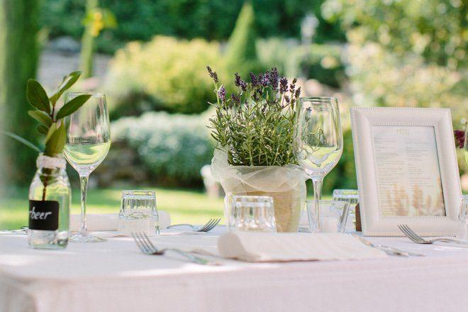 Hochzeit auf dem Bauernhof - Natürliche Hochzeit fotografiert von Aline Lange9