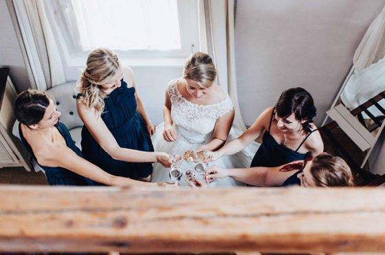 Welche Aufgaben sollte eine Trauzeugin übernehmen. Warum Entspannung angesagt ist? Über Freundschaft, Hilfe und Unterstützung am Hochzeitstag