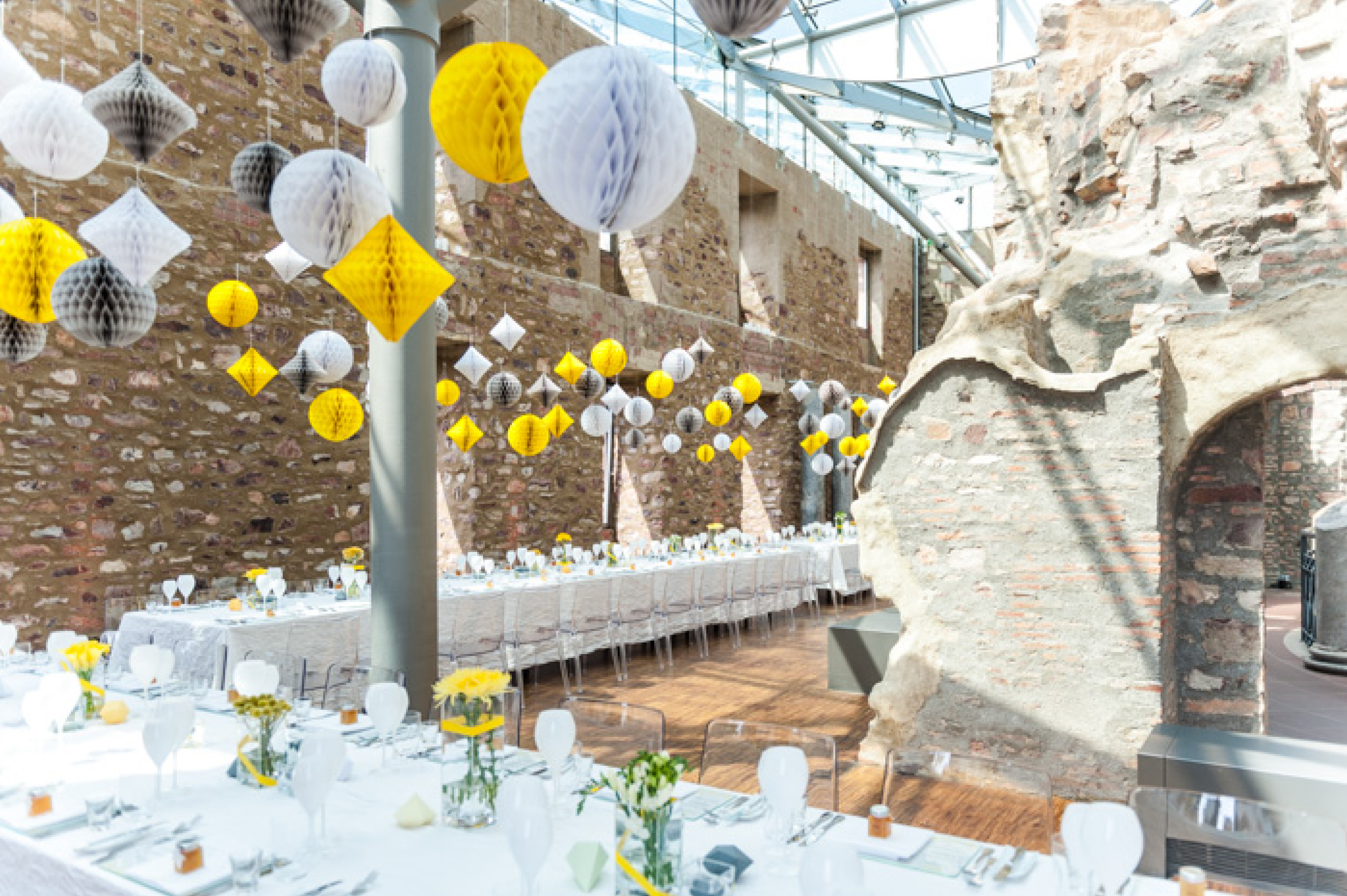 Hochzeitslocation Jagdschloss Platte dekoriert von blickfang event design