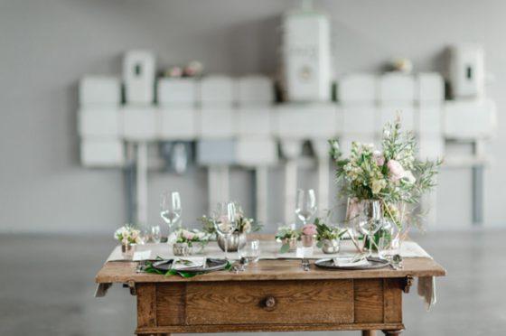 Modern, klar, geometrisch – Eine Hochzeitsinspiration im Goldbergwerk