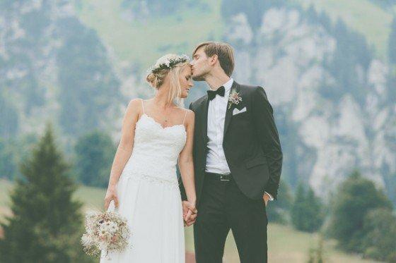 Blumen, Wiesen, die Berge und ein super süßes Paar von Lene Photography