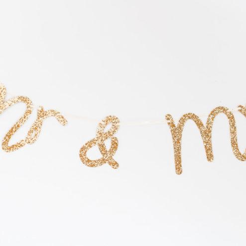 Mrs & Mr Girlande Schreibschrift Goldglitzer-1