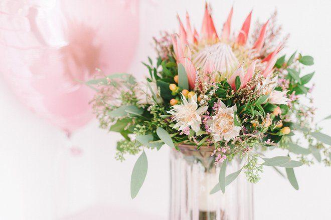 November Brautstrauß mit einer Protea