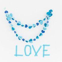 Papiergirlanden Herzen blau