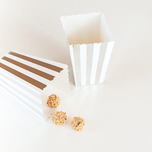 Papiertüten und Popcorn Schachteln in Gold und Silber-5