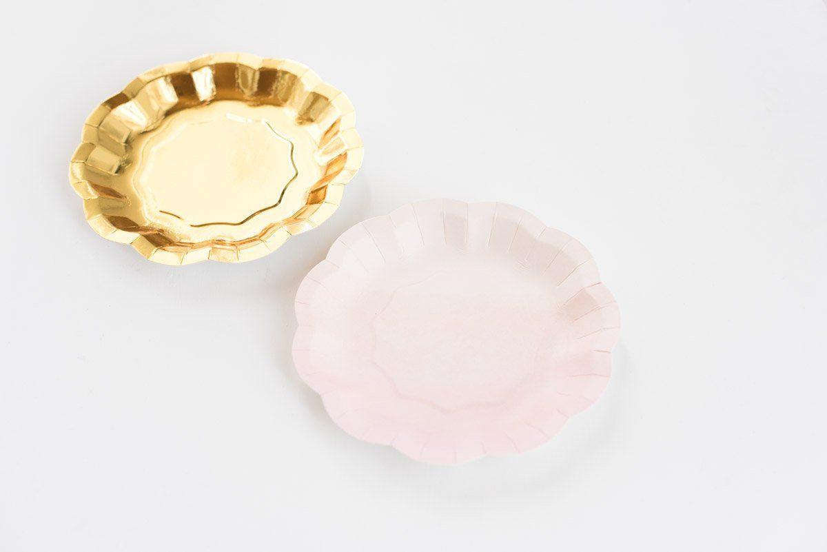 Pappteller set rosa gold mit wellenrand fr ulein k sagt for Pappteller gold