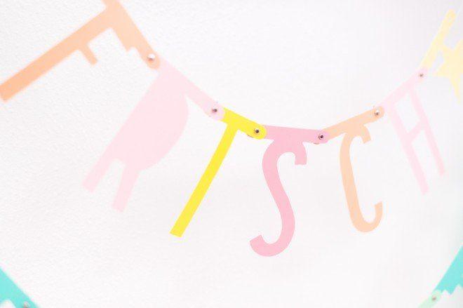 Pastell Buchstaben Girlande von A little lovely Company bei Frl. K sagt Ja-4