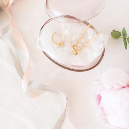 Ringkissen Alternative gesucht? Wie wärs mit dieser hübschen und modernen Glasbox in Rosé? Weitere gibts im Frl. K Shop!