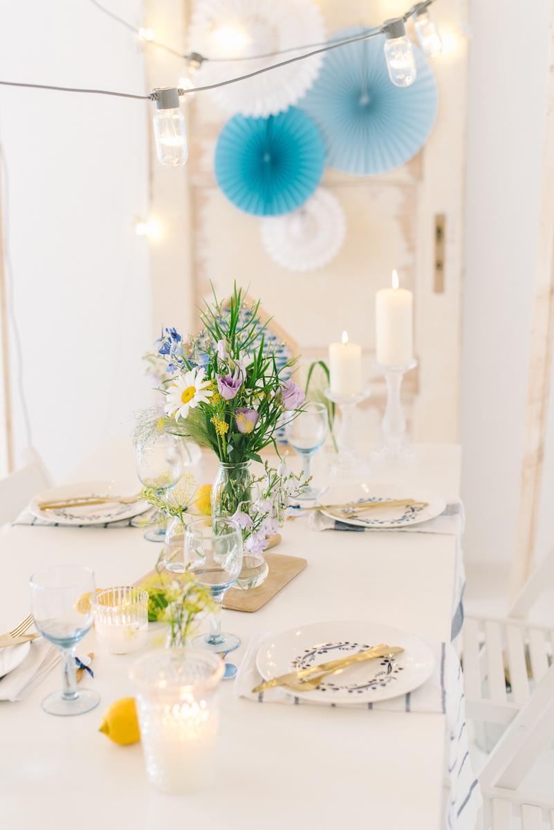 Sommertisch Partydeko blau gelb gold-47