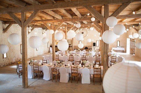 Ein zartes Hochzeitsträumchen in Frankreich von Schneider's Family Business