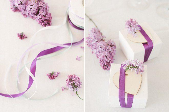 Tischdekoration mit Flieder in lila für die Hochzeit im Frühling4