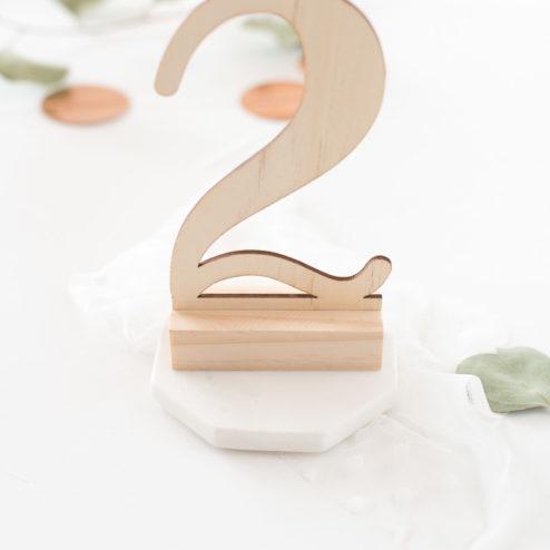 Tischnummern aus Holz zum Aufstellen