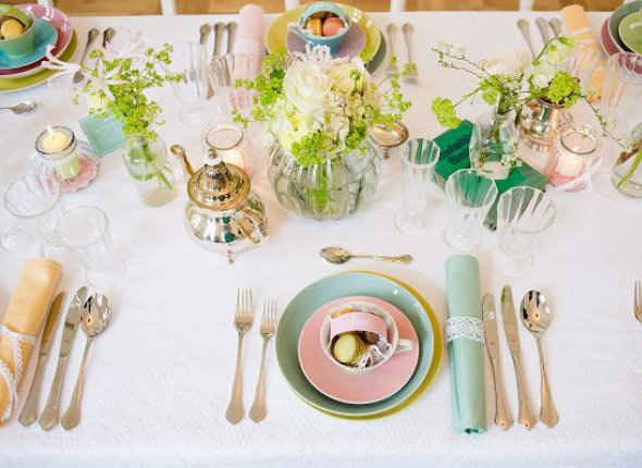 Wedding styled shoot with icecream, macarons and beautiful table setting4