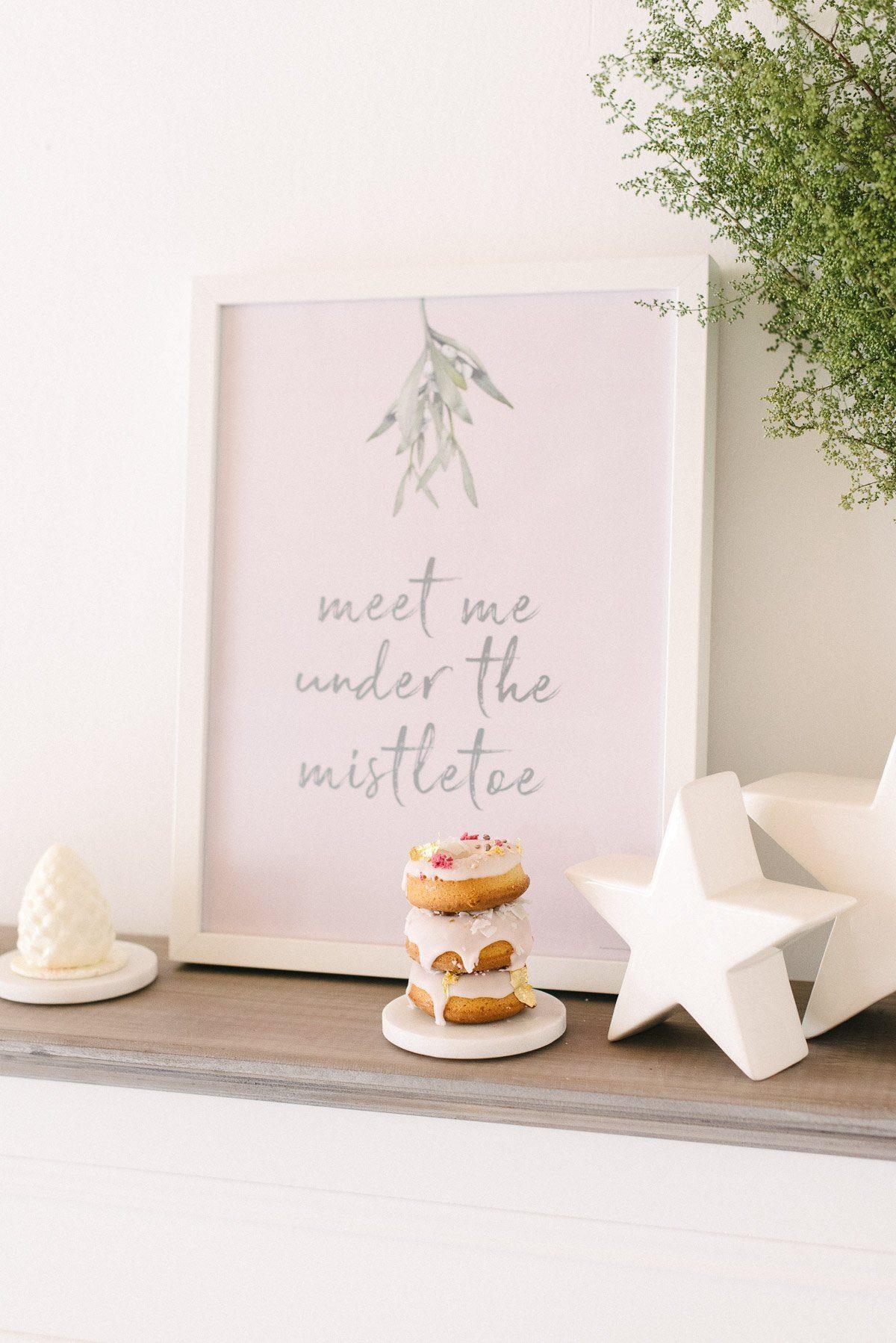 Poster Printable Mistletoe