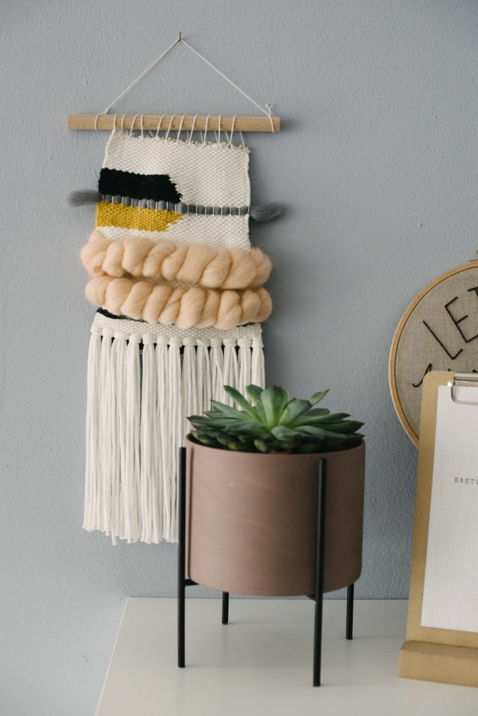 Webteppich DIY an der Wand