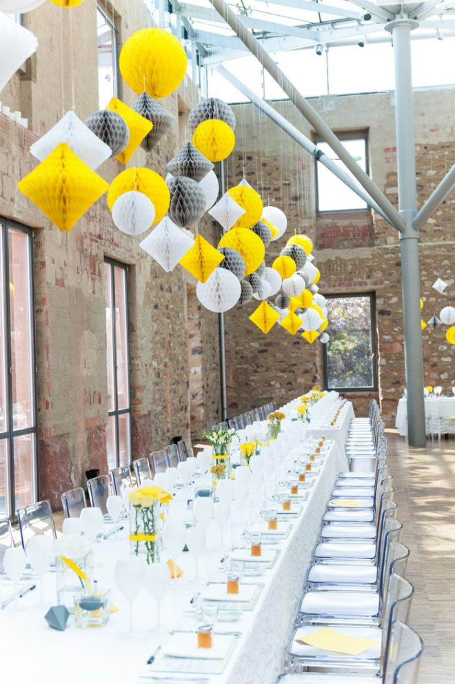 Hochzeitsdekoration in gelb und grau von Blickfang eventdesign