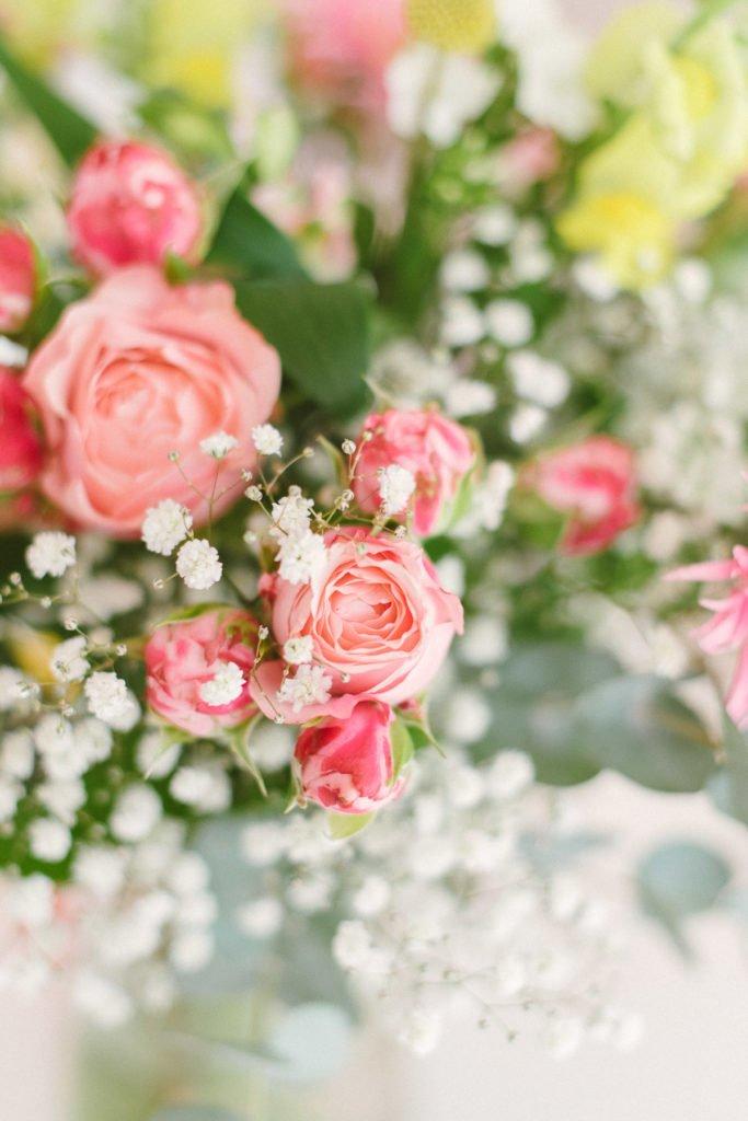 Sommerlicher Blumenstrauß gelb pink