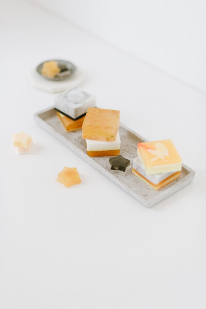 Selbstgemachte Seife mit Marmoreffekt