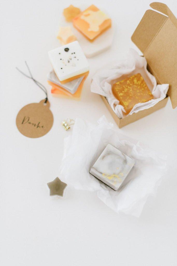 Seife als Geschenk verpacken