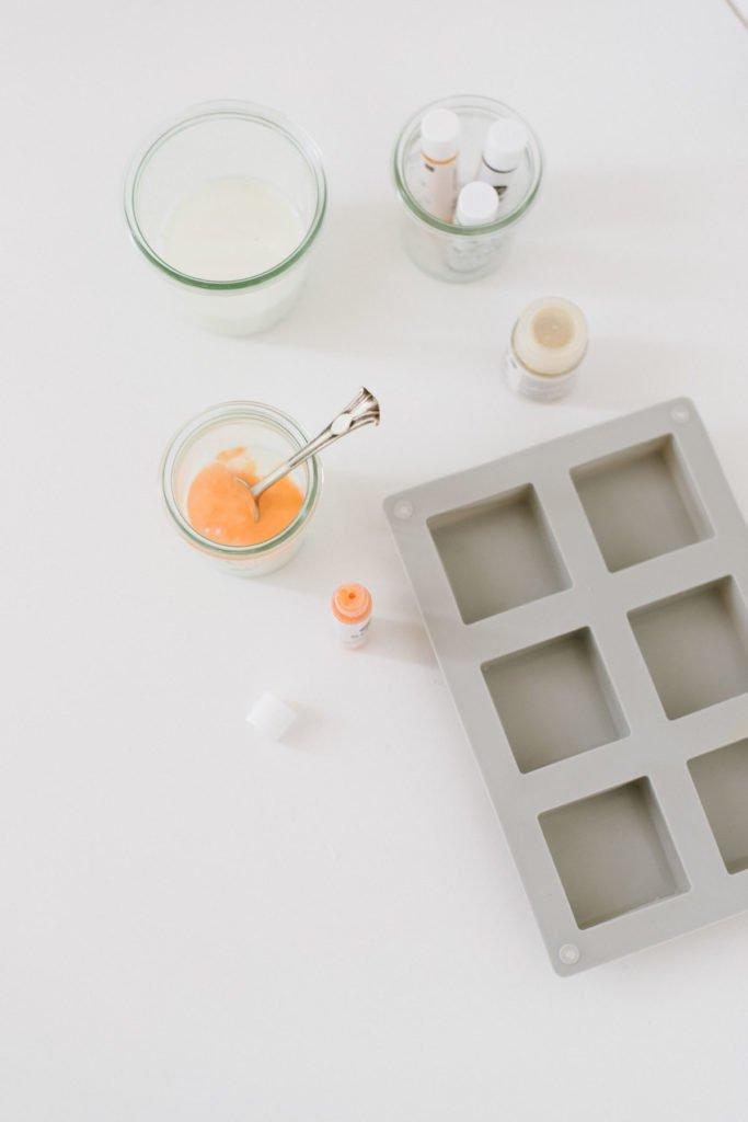 Seife einfärben