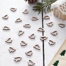Trendiges Holzkonfetti als kleine Tannenbäume