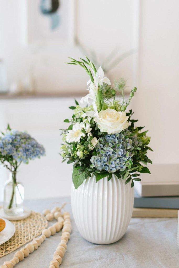 Blumenstrauß in Hammershøi Vase