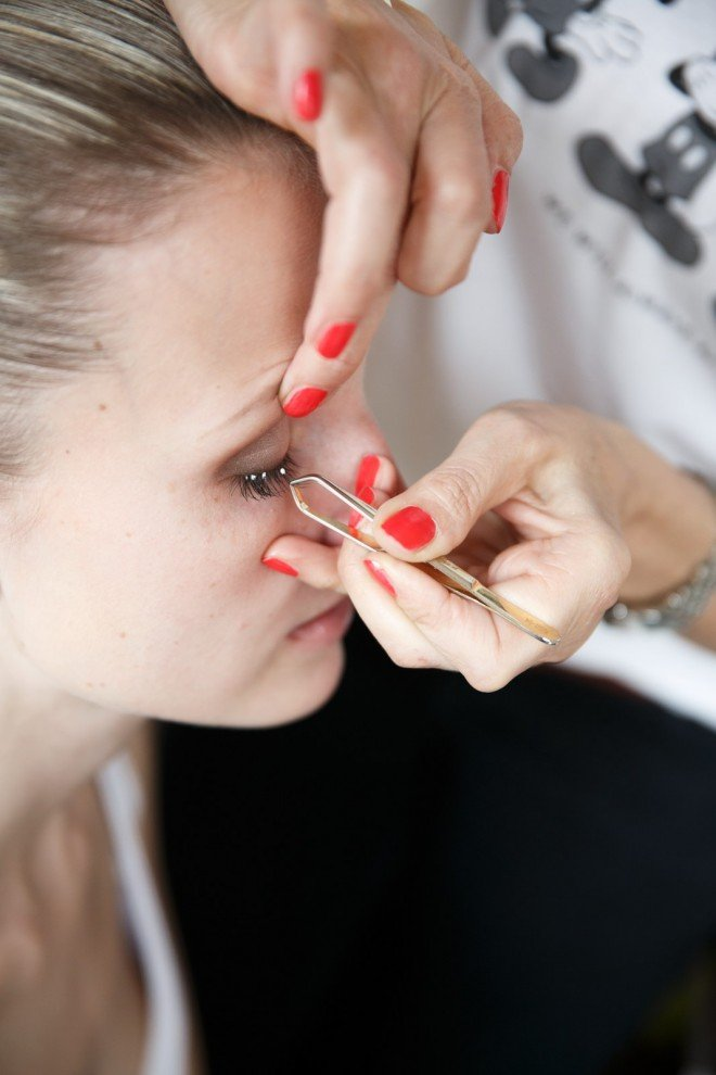 Falsche Wimpern beim Braut Make-up