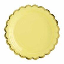 gelber Pappteller mit goldenem Muschelrand