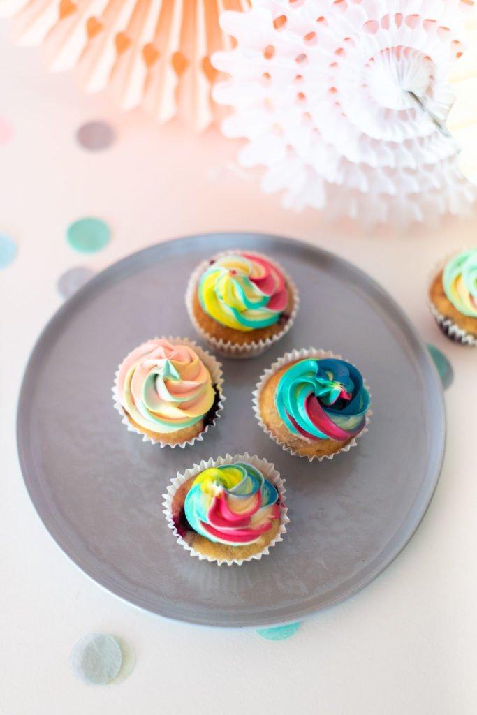 Regenbogen Cupcakes Kuchen