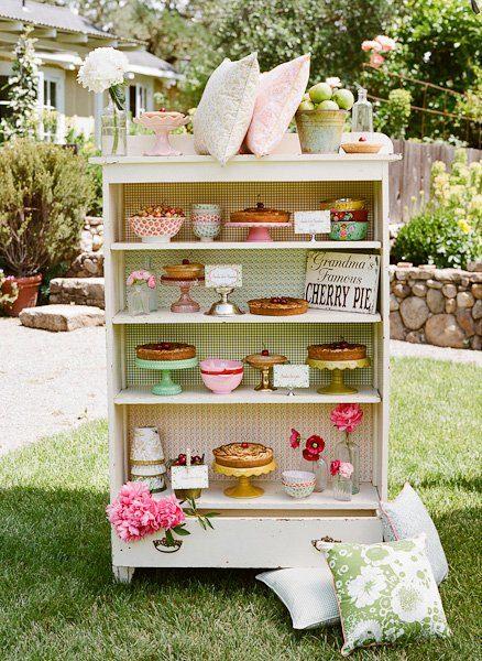 Sonntagshäppchen: Kuchen und Torte im Regal