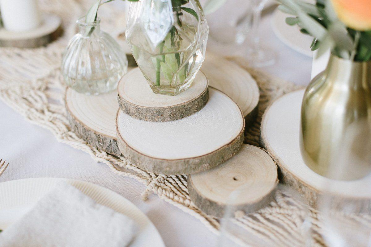Tischdekoration mit Baumscheiben