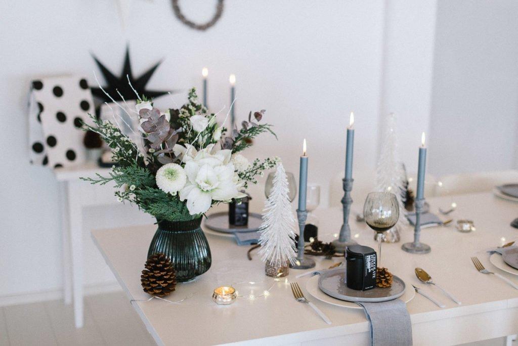 Blumenstrauss mit weißen Amaryllis